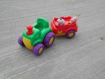 28.02.2018 Z abawka traktor z przyczepą – niekompletne brak 3 elementów