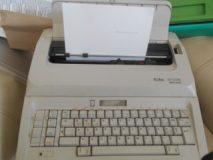 Elektryczna maszyna do pisania Erika 3006