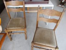 18.09.2019 K rzesła drewniane 2 szt. komplet