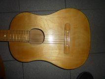 Gitara*
