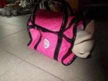 Pluszowy piesek z torbą